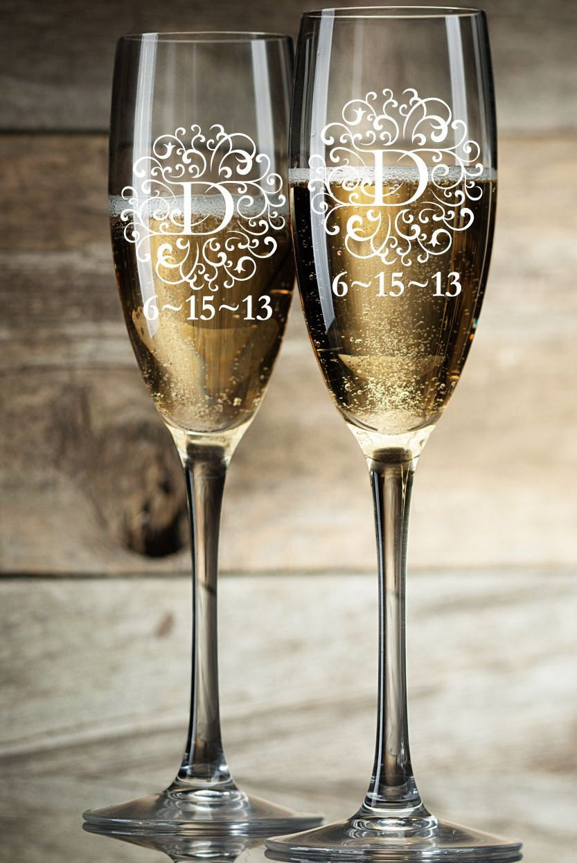 personalized champagne glasses champagne flutes bride and. Black Bedroom Furniture Sets. Home Design Ideas