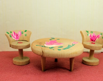 Dollhouse Toy Table and Chairs Hand Painted Wood made Japan
