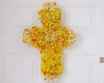 Grapevine Cross Covered with Narcissus