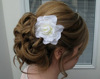 White gardenia hair pin, Bridal hair clip Fascinator, Wedding hair accessories