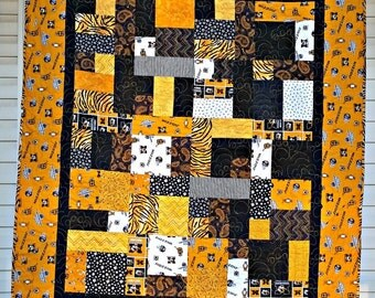 Mizzou-University of Missouri Black Gold Baby or Lap Quilt