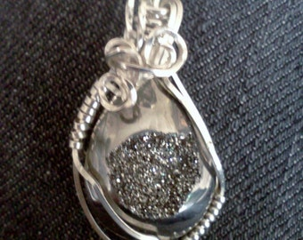 Drusy Quartz Pendant, Wire wrap Pendant, Silver Black Drusy Quartz Pendant