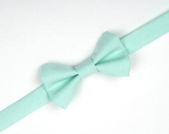 Mint bow tie, mint green, mint wedding, ring bearer bow tie, boys mint bow tie, toddler bow tie, baby bow tie, boys mint accessories, bowtie