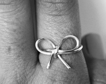 wire bow ring, dainty jewelry, bow jewelry, christmas gift, stocking stuffer, wire ring // silver, rose gold, or gold