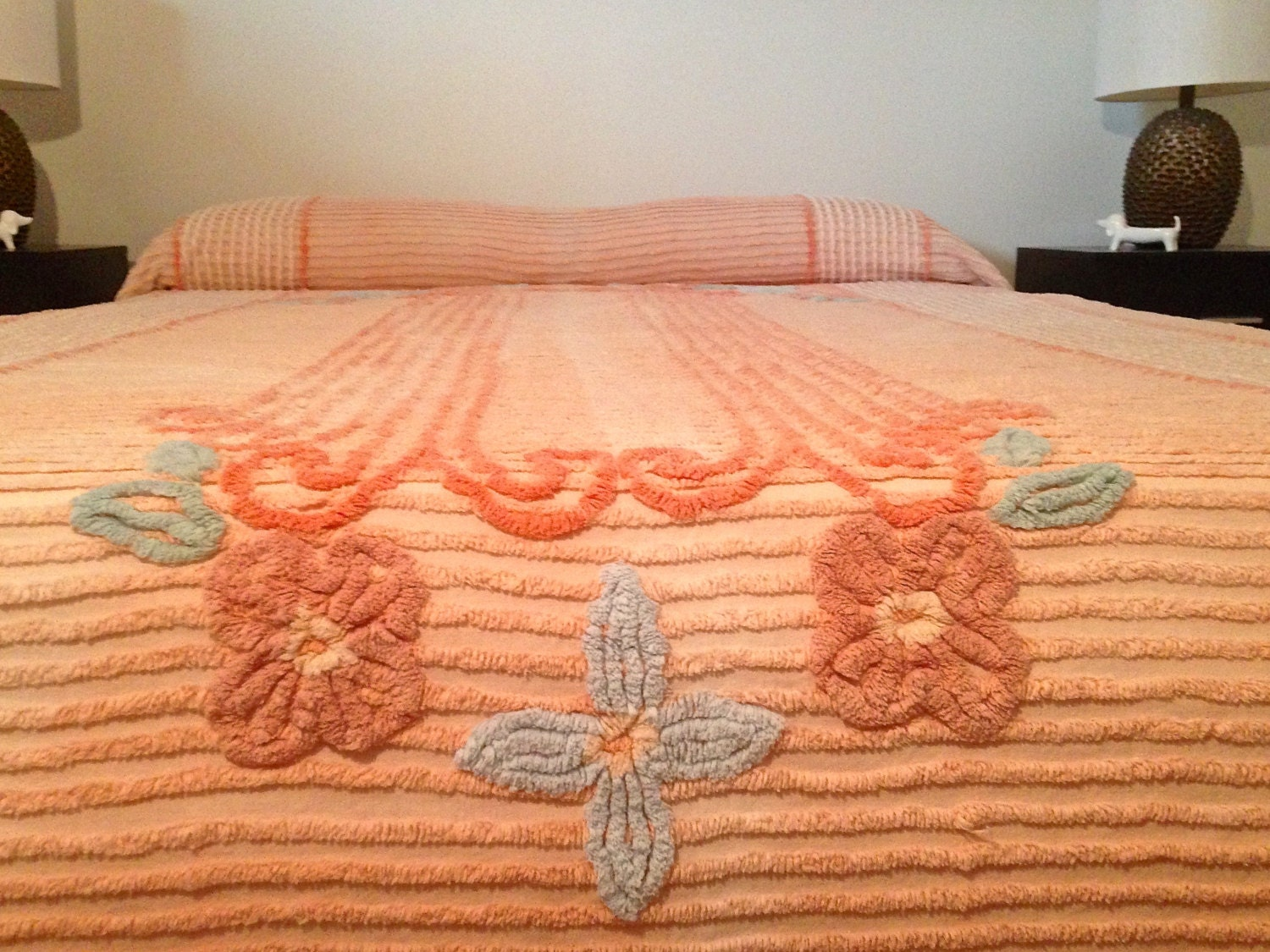 Vintage 1950s Peach Chenille Bedspread Needle By