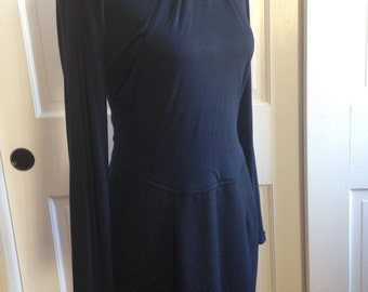 The 80s does the 40s: Gorgeous draped drop-waist dress with sash