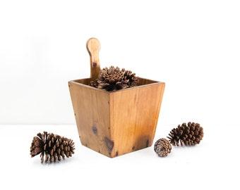 Pine Grain Bucket