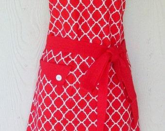 Red and White Apron, Retro Style Apron, Quatrefoil Print, Women's Full Apron, Vintage Inspired, KitschNStyle