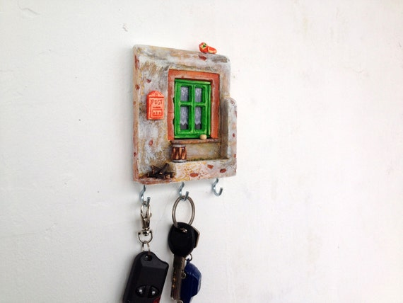 Key Holder Wall Miniature Ceramic Pottery House White Brown