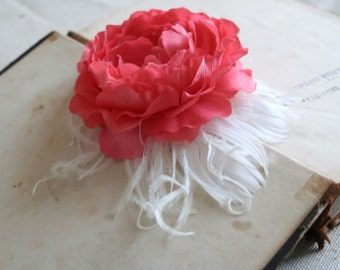 Coral Bridal Hair Flower Wedding Accessories Coral Flower Hairpiece Wedding Clip Bridal Flower Fascinator Tropical Veil Feather Flower Clip