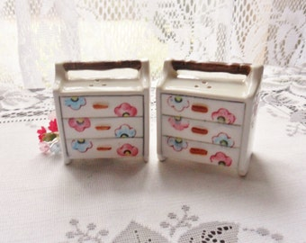 Sewing Box Salt and Pepper Shakers, Miniature Sewing Chest Shakers