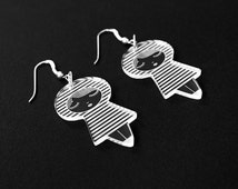 Lasercut Plexiglas® dolls earrings - matriochka - kokeshi - stripes pattern - sterling silver findings - minimalist - cute - contemporary