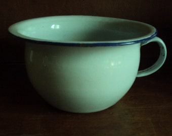 French vintage, dating from the 1920s white porcelain chamber pot.