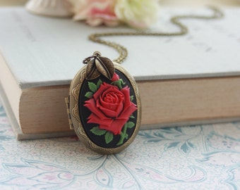Large Fuchsia Red Rose Flower Cameo Leaf Locket Necklace. Bridesmaids Gift, Statement Necklace. Large Locket, Best Friends. Sisters Birthday