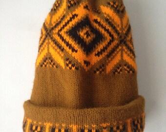 Vintage Knit Winter Hat//Beanie//Olive//Gold//Black//Nordic Pattern//Ski Hat//90s
