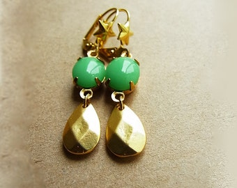 Vintage Light Green Jade Oval Rhinestone Dipped Gold Teardrop Ear-rings // Gold Star Lever-back Ear-wires (One Pair)