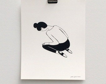 girl kneeling / black and white print