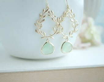 Laurel Wreath Earring, Light Mint, Mint Green, Gold Plated Chandelier Earring. Mint Wedding. Bridesmaid Gift. Gold and Mint Wedding