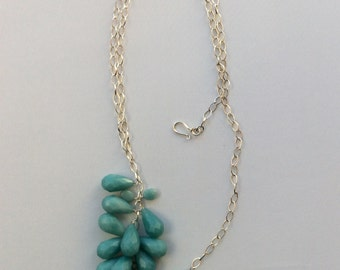 Faceted azure drops necklace