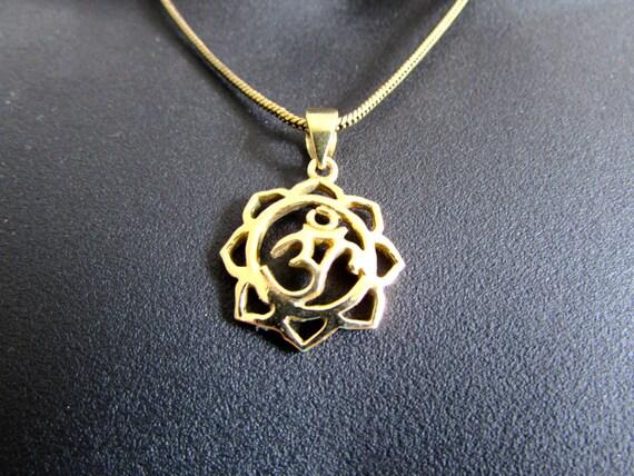 Om Ohm Aum Circle Lotus Pendant Necklace Handmade Yogi Yoga Boho Jewelry Free UK delivery BP4