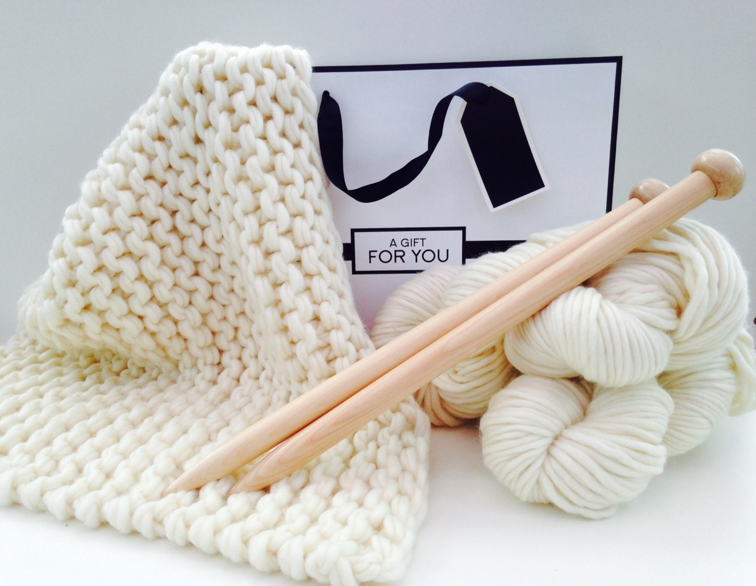 Knitting Patterns Kits : DIY Knitting kit Luxury Baby Blanket. DIY knit kit Learn to
