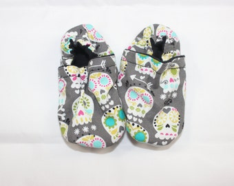 Sugar Skulls booties, cloth booties, baby booties, soft soled shoes, baby footwear, cloth moccasins, child shoes, tula accessories