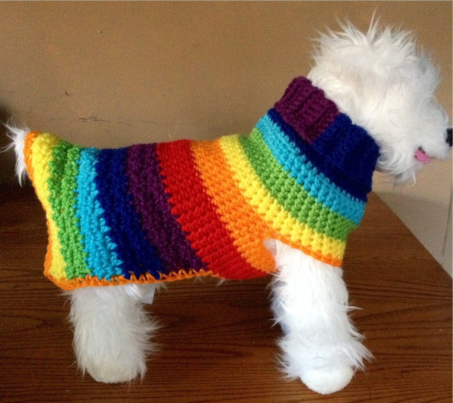 Kiwi's Kozy Crochet Dog Sweater PATTERN by hmcquigg on Etsy patterns is for sale shouldn't be too hard to replicate Find this Pin and more on Dogs/My girls, Bella & Marley by Lori Bishop. For sale is a crochet PATTERN for the Kiwis Kozy dog sweater pictured.