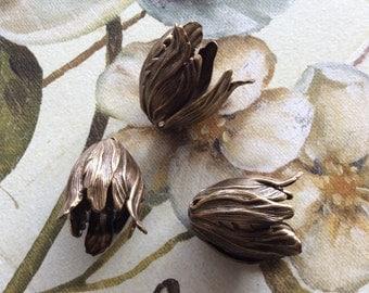 Antique brass large tulip bead caps 4 pc