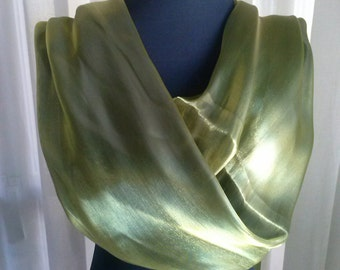 Shawl perfect for any celebration or event. Shawl perfect for any celebration or event.