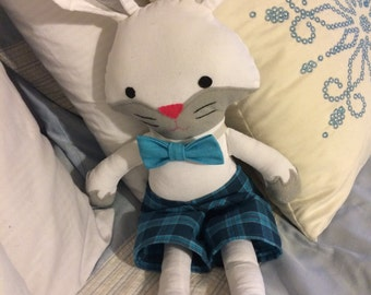 Adorable handmade bunny (Pattern by Squishy Cute designs)