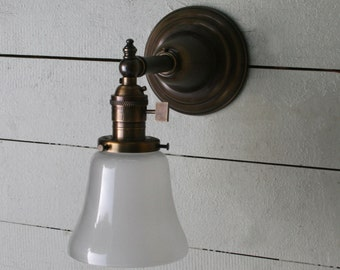 Hampton Vintage / Antique style, Antique Brass, single light, exposed socket, wall sconce