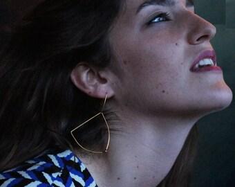 Gold plated earrings. Minimalist and geometric earrings.