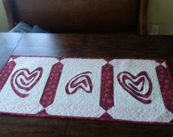 Heart table runner
