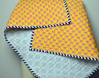 Organic baby quilt , Modern baby quilt , Nursery Decor , Baby blanket , Crib quilt , Handmade shower gift