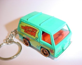3D Scooby-Doo Mystery van custom keychain by Brian Thornton keyring key chain finished in cartoon color trim