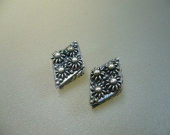 Oxidized Bali Sterling Silver Granulated Lozenge Bead