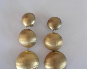 Statement vintage earrings, 80s earrings, clip on earrings, funky earrings, Stylish earrings, No shippingscosts.