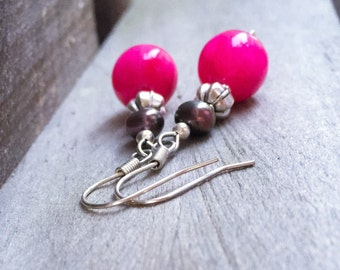 Pink gemstone earrings. Pink agate earrings. Pink chalcedony earrings. Pink earrings. Purple pearl earrings