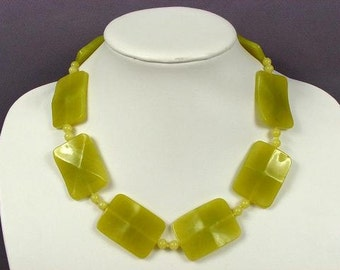 Necklace Olive Jade (B) 40mm Wave Pillows 925 NSJO4109