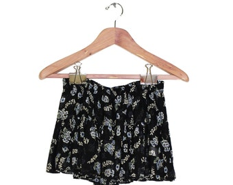Vintage Floral Mini Skirt, size small