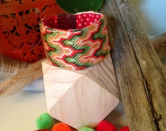 """Juicy"" embroidered cuff"