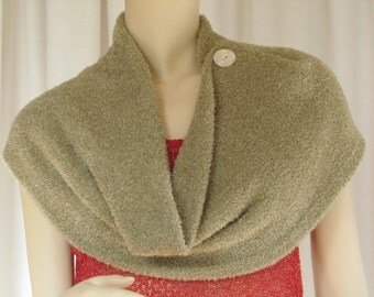 The Dream Collar/Cape. A hand-loomed circular Infinity Scarf in teddy-bear soft yarn with lurex.