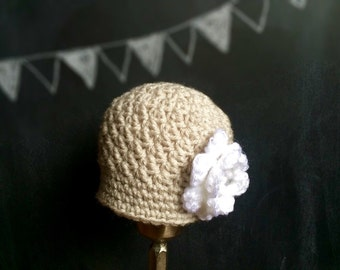 Crochet baby girl hat flower cloche linen white