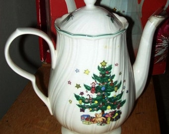 Happy Holidays pattern Nikko coffeepot with lid, Christmas coffeepot, holiday coffeepot, collectible coffeepot, Christmas collectible, Nikko