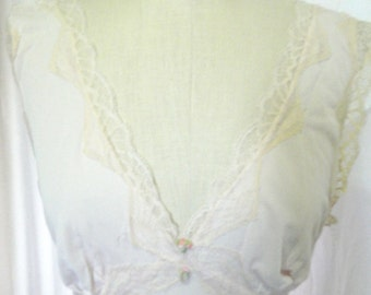 Antique Pink Long Nightgown with Lace Trim Size Small
