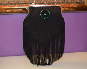 bag with fringes, beadwork and kiss clasp
