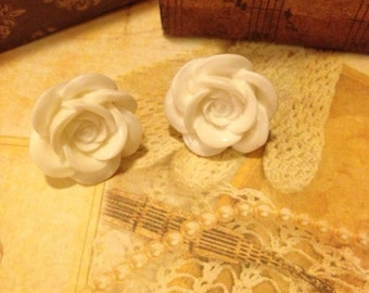 Available in 3 colours Hand made earrings 18mm rose flower
