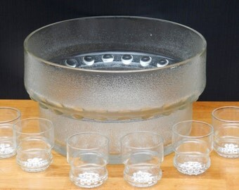 Button Bottomed Pressed Glass Punchbowl with 6 Matching Glasses            00114