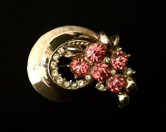 40's Pink Rhinestone Swirl Brooch                        VG1116