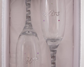 Mr and Mrs glittered flute glasses